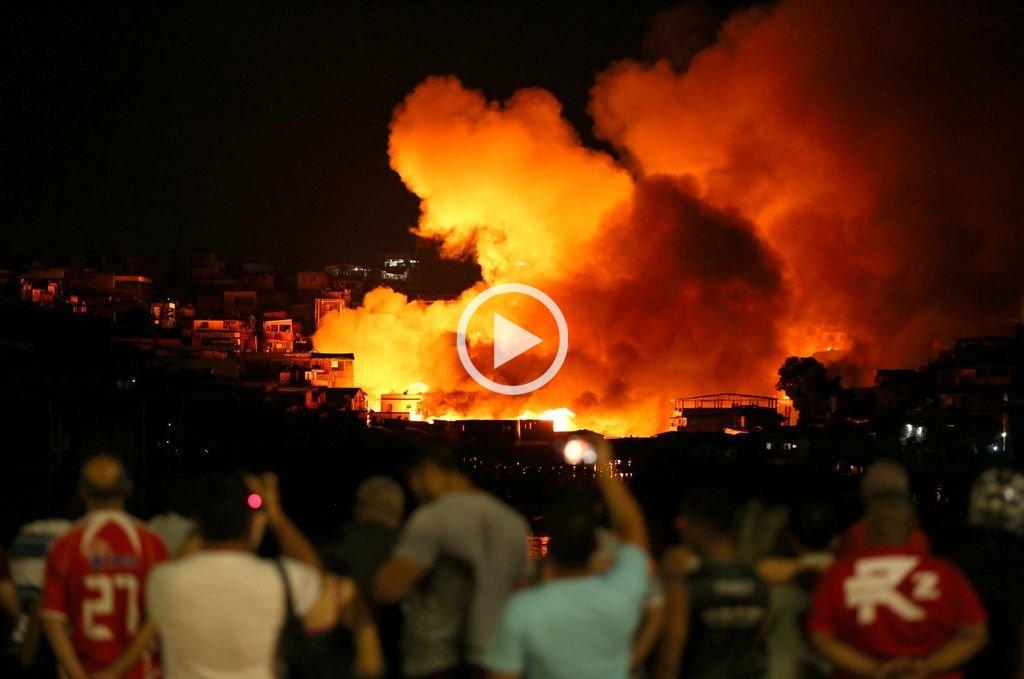 Un incendio destruye un barrio entero de la ciudad brasileña de Manaos