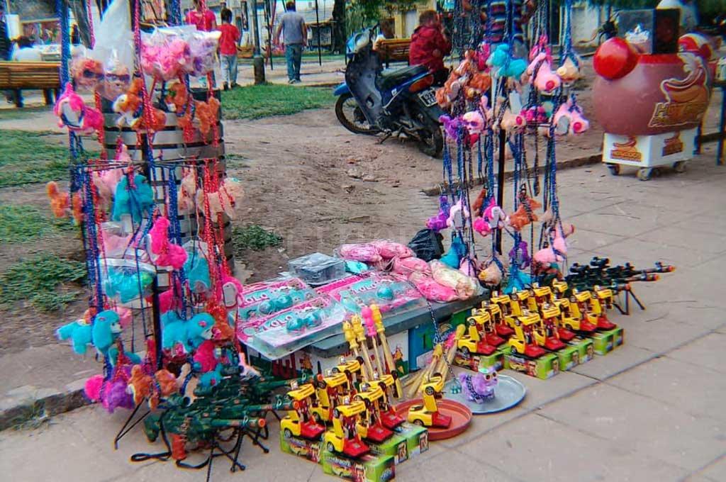 Alertan sobre la venta de juguetes bélicos en la ciudad