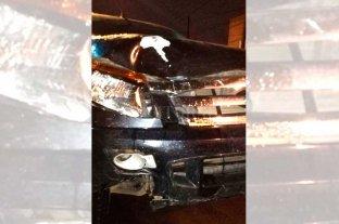 Recuperó la libertad el conductor que  atropelló a una ciclista en la costanera - Testigos directos relataron que la camioneta embistió por detrás a la ciclista, que circulaba correctamente por la bicisenda. -