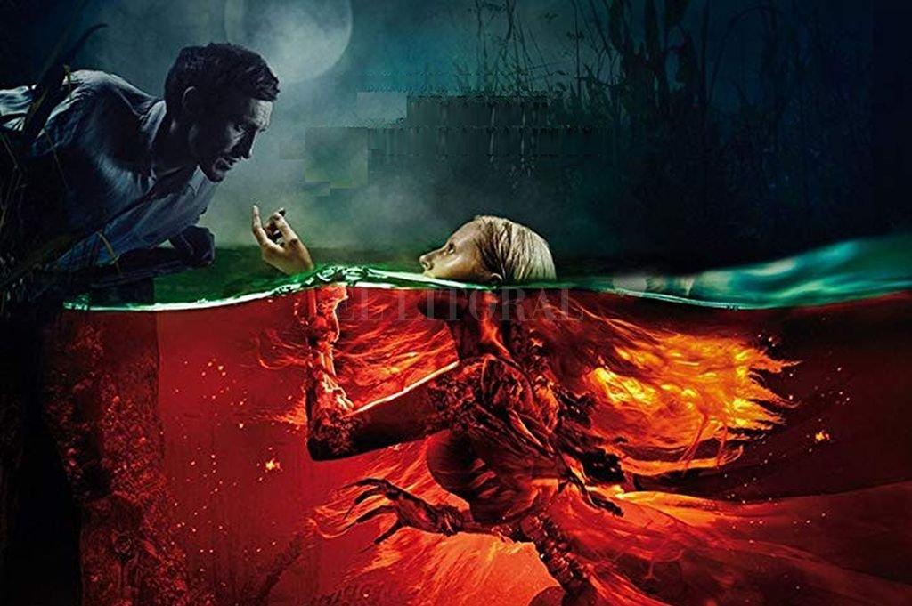 Una sirena malvada (una joven ahogada siglos atrás) se enamora del prometido de Marina, Román. Se empeña a mantenerlo alejado de Marina en su Reino de muerte bajo el agua. Gentileza Shout! Studios