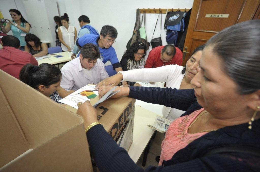 Algunos bolivianos que residen en Jujuy ya han podido votar su presidente en las elecciones de 2014