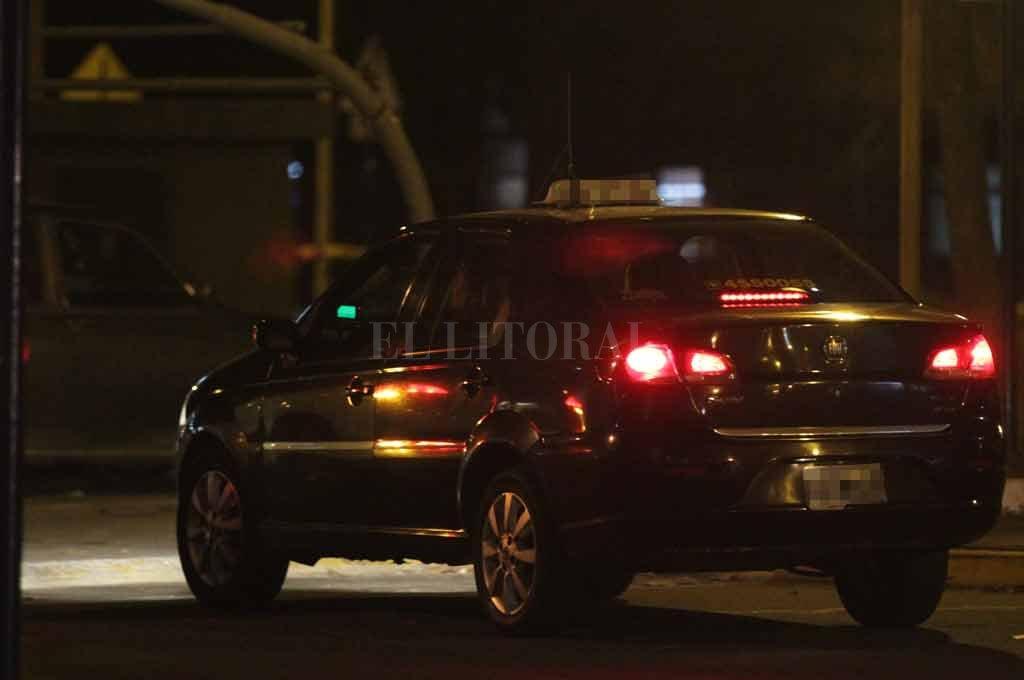 No se detienen: robaron a un taxista en Av. Freyre