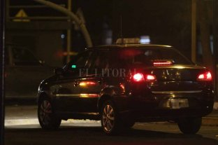 No se detienen: robaron a un taxista en Av. Freyre - Imagen repetida. Un taxista es víctima de la inseguridad en la noche santafesina -