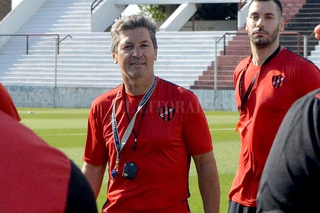 Mario Sciacqua, DT de Patronato. Crédito: Archivo El Litoral