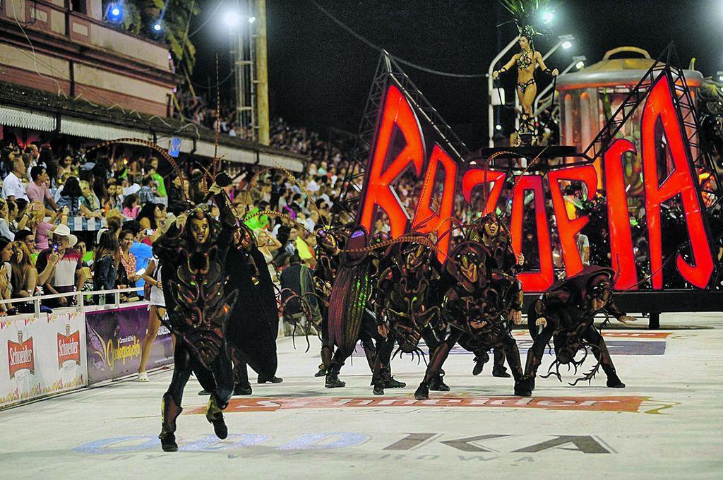 """Marí Marí, comparsa conocida como """"la aplanadora"""" cuenta con 22 primeros premios en la historia del Carnaval. Crédito: Gentileza"""