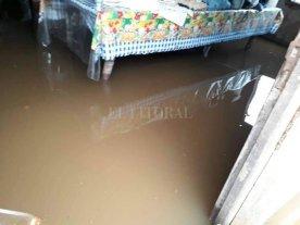 Vecinos de El Nochero y Santa Margarita resisten el embate del agua