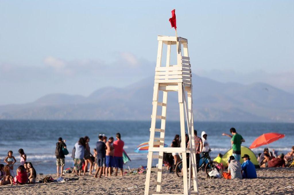 Chile: un turista argentino falleció ahogado en una playa de La Serena