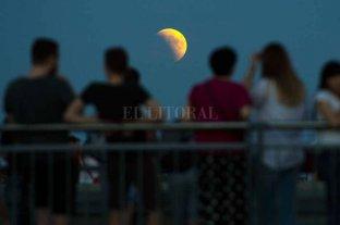 """Code: 100 horas """"astronómicas"""" a la espera del eclipse total de Luna"""