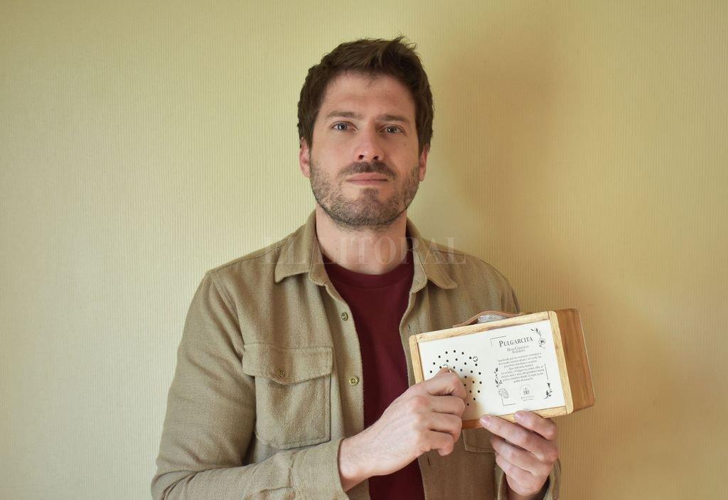 El emprendedor Germán Bertinat decidió apostar al dictado de su pasión y creo su propia línea de juguetes artesanales. Gentileza