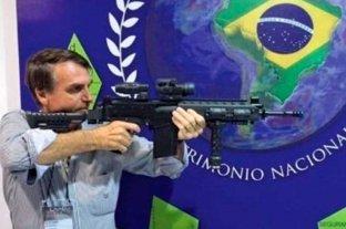 Bolsonaro firmó un decreto que facilita la posesión de armas de fuego -  -