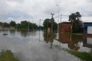 El agua no da tregua y hay cientos de evacuados en la costa del río Uruguay -  -