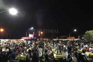 La Fiesta de la Vaquillona Deshuesada todo un éxito - NI UN ALFILER. Más de 1100 personas participaron del evento que se desarrolló como todos los años en el Paseo Parque del Encuentro.  -