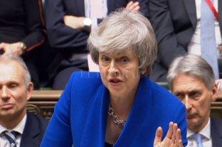 Theresa May superó la moción de censura y seguirá al frente del gobierno en Reino Unido