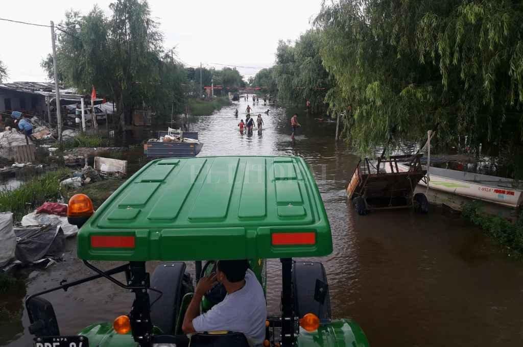 Continúa la asistencia a inundados mientras el tiempo no da respiro
