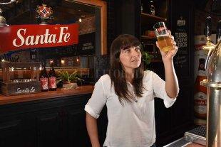 """""""Hacer y degustar cerveza tiene mucho de arte, pasión y de trabajo constante"""" - Antonella Sotera está en el grupo de entre 5 y 10 degustadores que se ocupan de """"testear"""" con sus sentidos los productos cerveceros.  -"""