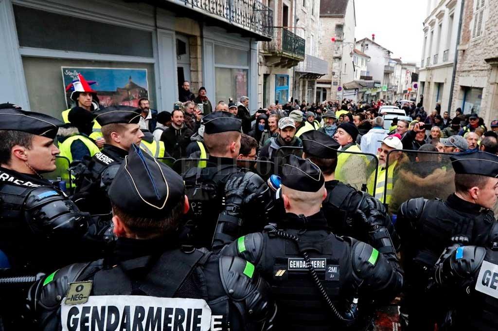 """Los """"chalecos amarillos"""" volvieron a protestar"""