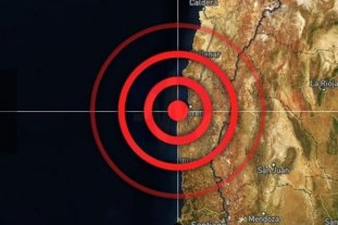 Amenaza de tsunami en Chile: Dos personas mueren durante la evacuación -  -