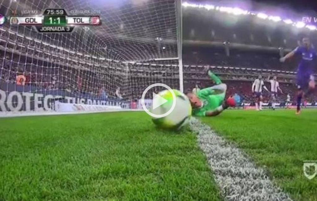Polémica en México: Triverio marcó un gol y el árbitro lo anuló luego de mirar 7 minutos el VAR