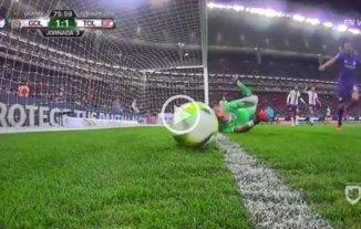 Polémica en México: Triverio marcó un gol y el árbitro lo anuló luego de mirar 7 minutos el VAR -  -