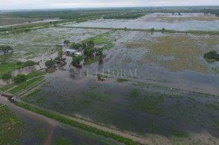 """""""Proyectamos que el Salado va a  estar alto durante varias semanas"""" - El diluvio que inundó los campos del noroeste de Santa Fe, lentamente escurre hacia el sur a través de los Bajos Submeridionales y la cuenca del Salado."""