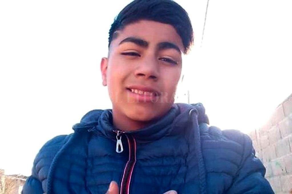 Hallan asesinado a un adolescente de 13 años y detienen a otro, de 16