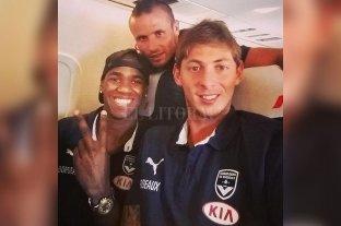 """Durante el vuelo Sala mandó un mensaje diciendo que sentía """"miedo"""" - Diego Rolan y Emiliano Sala cuando jugaban para el Bordeaux. -"""