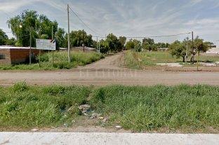 Matan a un joven de 19 años y una mujer permanece internada tras ser baleada - Sarmiento y French, a metros de donde se produjo el ataque. -
