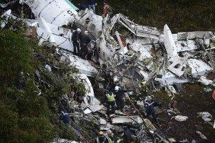 El fútbol y las tragedias aéreas - Así quedó el avión que trasladaba al Chapecoense de Brasil. -
