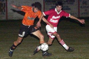 Dos santotomesinos en Primera, 17 años después - En 2002, Floresta animó el torneo Apertura y llegó hasta las semifinales, donde quedó eliminado ante Las Flores.