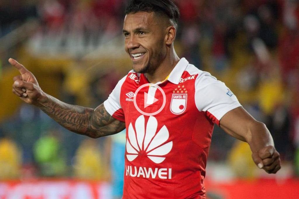 Un delantero colombiano suena para Colón