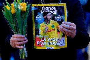 Retoman la búsqueda del avión en el que viajaba Emiliano Sala - Fanáticos del Nantes FC se reunieron para pedir por la aparición de Sala -