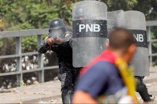 Protestas en contra de Nicolás Maduro: un joven muerto -  -