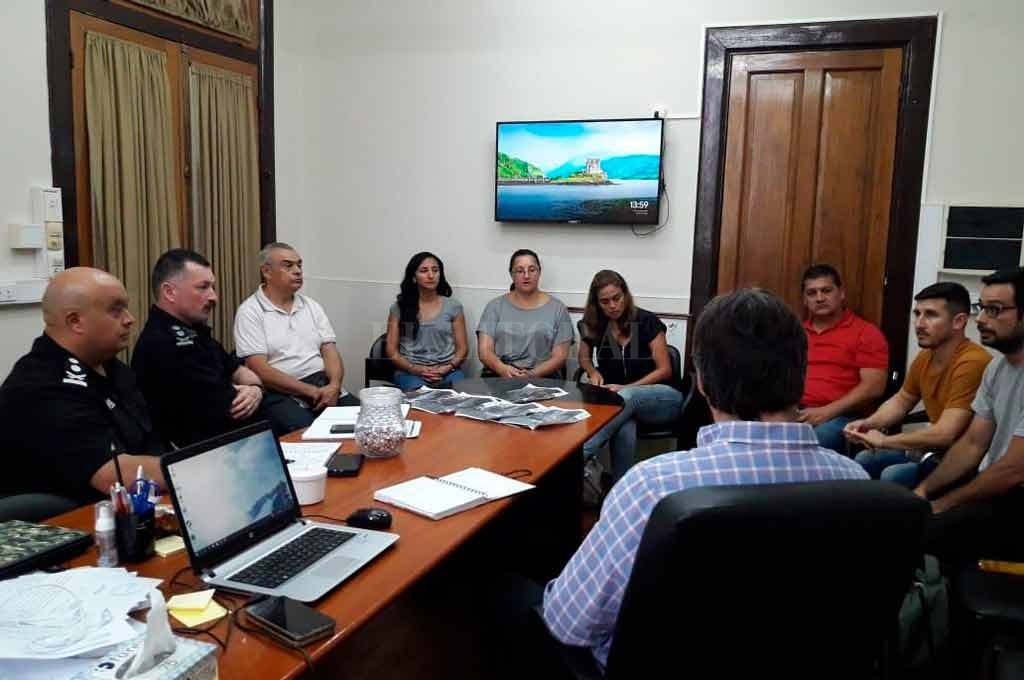 Vecinos de Sauce Viejo se reunieron con funcionarios del Ministerio de Seguridad