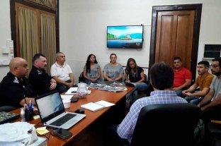 Vecinos de Sauce Viejo se reunieron con funcionarios del Ministerio de Seguridad -  -