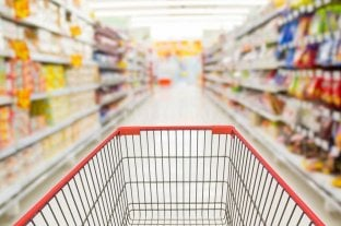 Volvieron a caer las ventas en los supermercados - Cuesta más y se nota. Los supermercados facturaron 33,3 % más, pero la inflación fue mayor que esa cifra por lo cual los volúmenes comercializados son más bajos que un año atrás. -