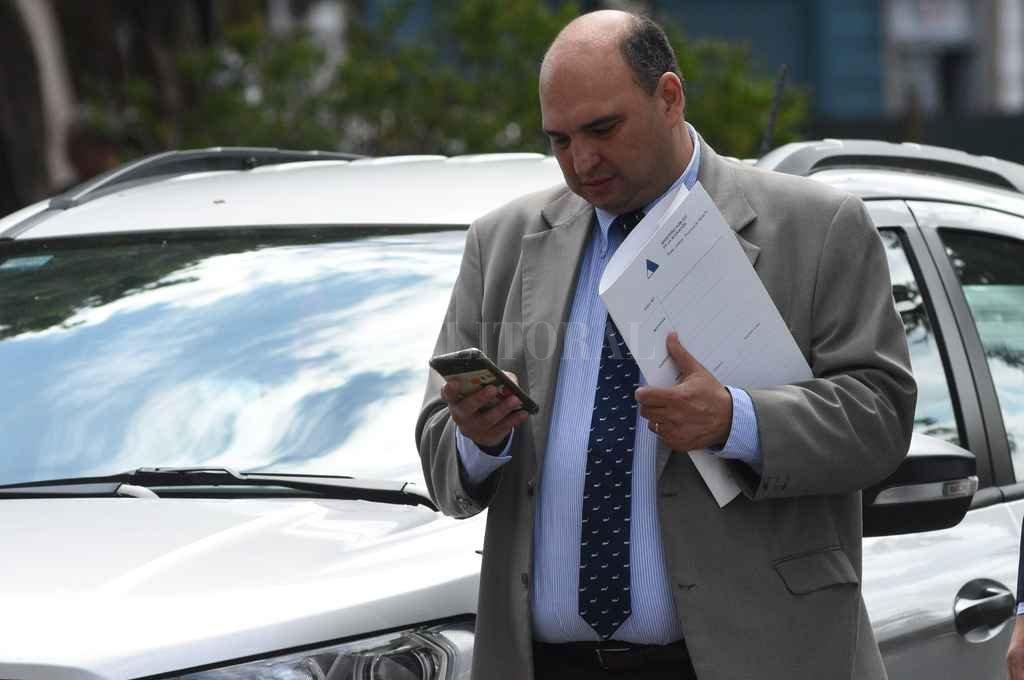 """""""El médico cuestionado dio su conformidad para que se le hagan extracciones de sangre y orina"""", informó el fiscal Roberto Apullán. <strong>Foto:</strong> El Litoral"""