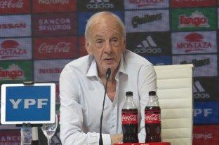 """Menotti: """"No sirve creer que si viene Messi estamos salvados"""""""