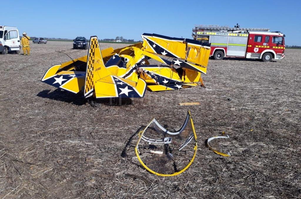 En uno de los accidentes más impactantes de la provincia perdió la vida el joven piloto del Turismo Carretera, Juan Marcos Angelini, en la localidad de Carreras.  <strong>Foto:</strong> Policía UR VIII