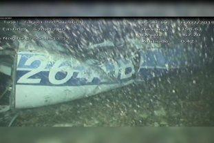 Sigue la polémica por las regulaciones de los vuelos charter tras la muerte de Emiliano Sala - Imagen del avión tomada con las cámaras submarinas. -