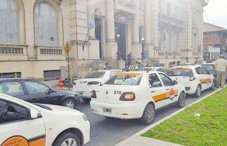 Los remises de Santo Tomé tendrán botones de pánico