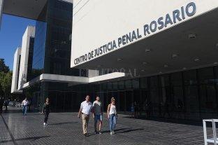 Rosario: condenado a 39 años de prisión por abusar de sus hijas - Centro de Justicia Penal de Rosario. -