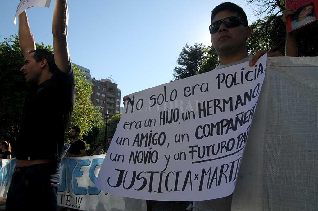 Familiares y amigos de Martín Foresto reclaman que se haga justicia. <strong>Foto:</strong> Mauricio Garín.