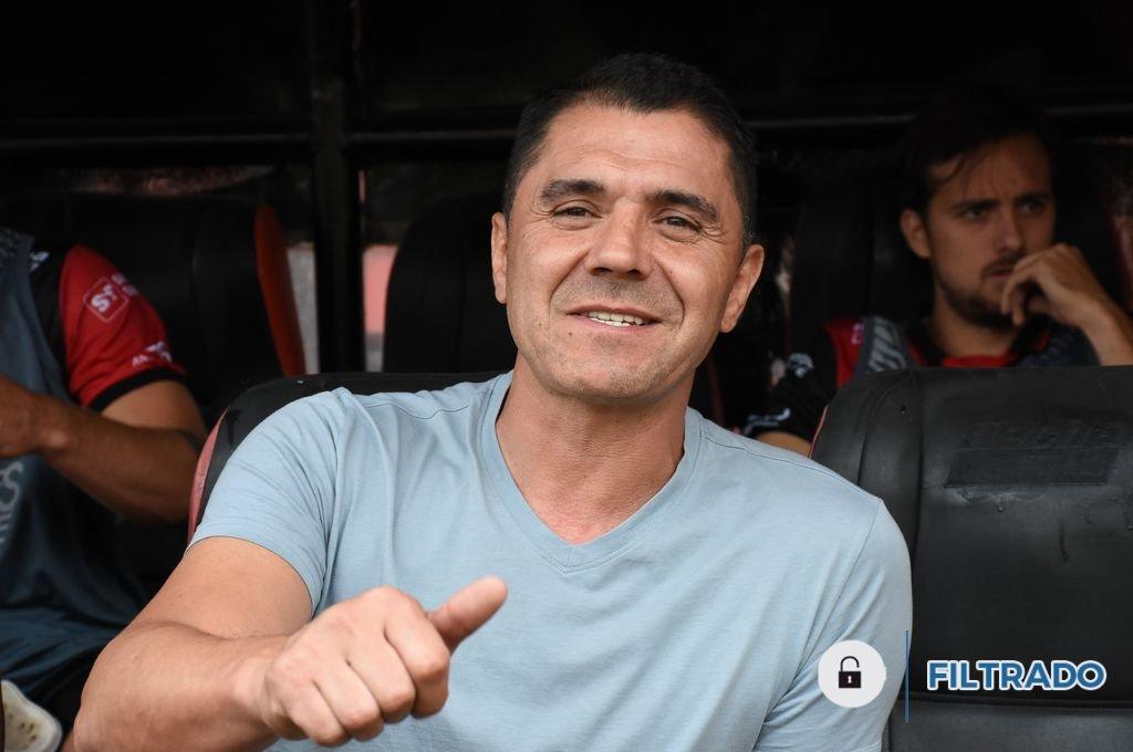 """Esteban """"El Bichi"""" Fuertes, ex jugador y ex técnico del Club Colón.  <strong>Foto:</strong> Mauricio Garín"""