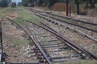 Un hombre murió al ser atropellado por un tren en Rosario -  -