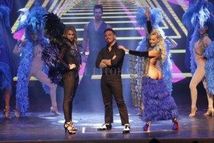 La Barbieri y los géneros - Federico Bal, que viene a revitalizar la revista junto a sus padres, acompañado por Mica Viciconte y Sol Pérez, vestidas con trajes clásicos del género. -