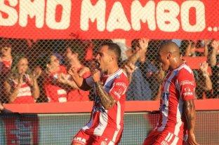 Unión goleó a Atlético Tucumán y volvió a sonreír en su casa -  -
