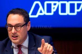 El titular de la AFIP recibió a la misión del Fondo Monetario Internacional -  -