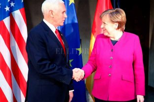 """EE.UU insta a la Unión Europea a reconocer a Guaidó como """"único Presidente Legítimo""""  - El vicepresidente de Estados Unidos, Mike Pence -"""