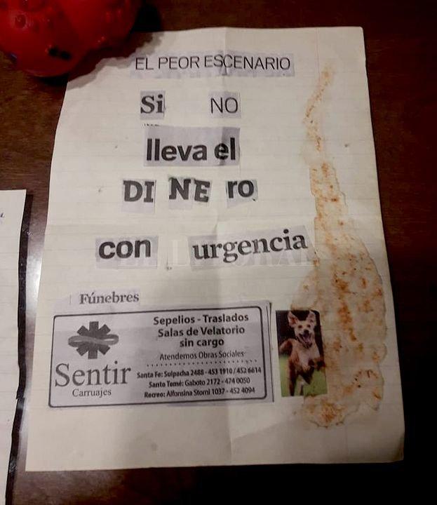 La nota intimidante que dejó el extorsionador a la víctima. <strong>Foto:</strong> El Litoral