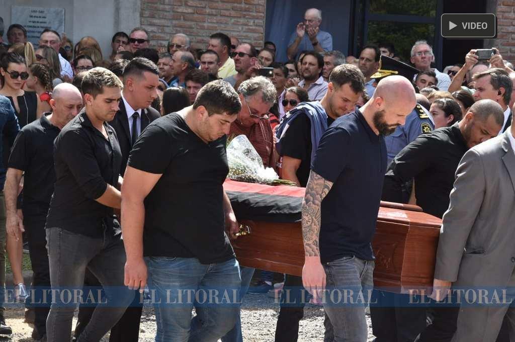 Último adiós a Emiliano Sala en Progreso -  -